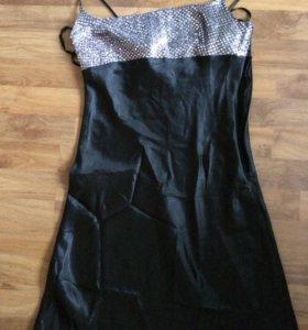 Вечернее платье длинное в пол в хорошем состоянии.