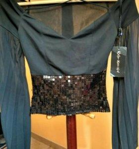 Блузка с пайетками новая