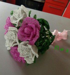 Букет бисерных роз.