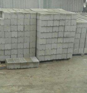 Керамз.бетонн.блоки сделаны на заводск.вибропрессе