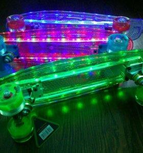 Пени борд (роликовая доска) светодиодная