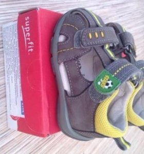 Продам сандалии Superfit