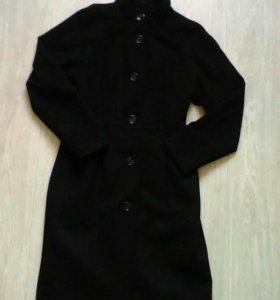Пальто демисезонное размер М