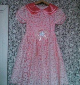 Красивое платье для девочки 128р-р