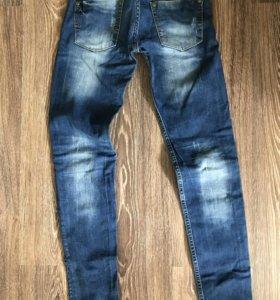 Продаю джинсы новые