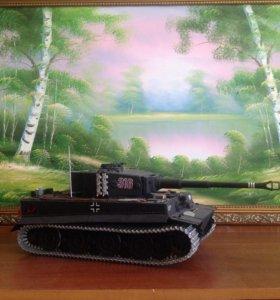 Модель танка Тигр-1 масштаб 1/16