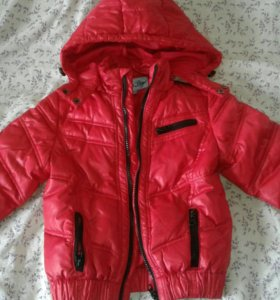 Продам осенне-весеннюю куртку на мальчика