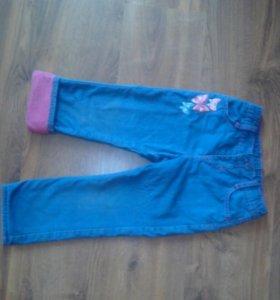 Утепленные джинсы для девочки на  3 - 4 года