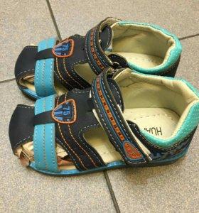 Новые сандалии 25