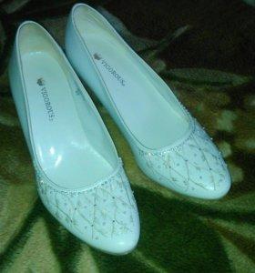 Туфли свадебные vigorous