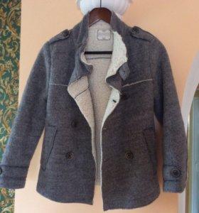 Пальто на мальчика Zara