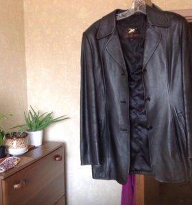 Куртка кожаная новая женская