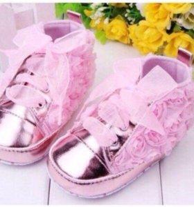 Пинетки ботиночки с розочками