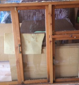 Деревянные окна -2 шт со стеклом