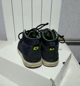 Ботинки demix 35 размер.