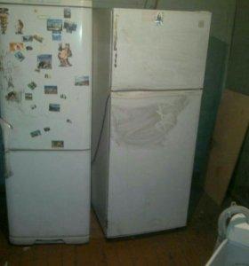 Холодильник Бирюса НАДО РЕМОНТИРОВАТЬ!!!(слева)
