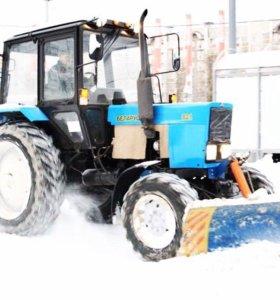 Вспашка и выравнивание участка трактором