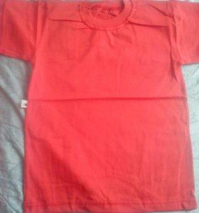 красные однотонные футболки