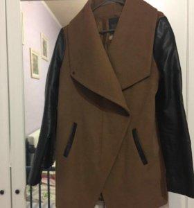 Пальто как новое размер M