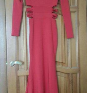 Новое вечернее красное платье