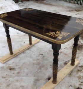 Элегантный стол ручной работы