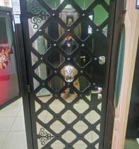 Входная металлическая дверь