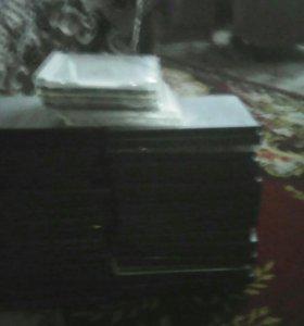 Пыстые коробки из под дисков