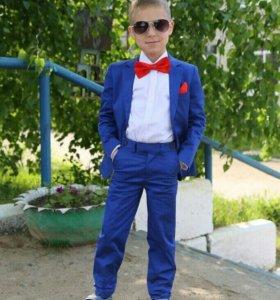 Брючный костюм на мальчика