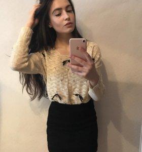 Милый свитер с бантиками 🖤