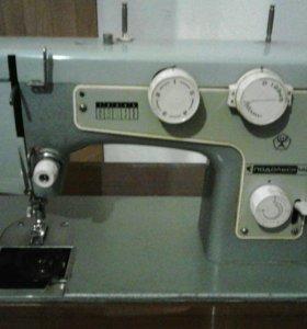 Швейная машинка Подольск142