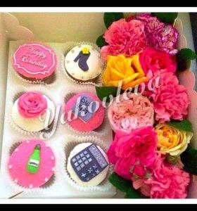 Капкейки , торты , коробочки с цветами