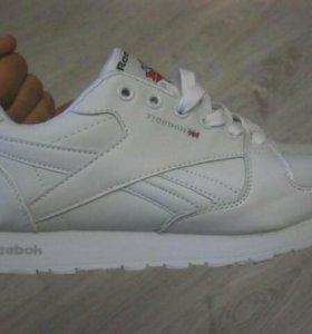 Кроссовки reebok classic белые, новые, размер 43