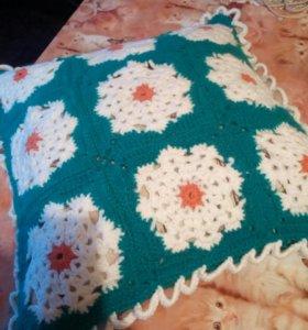 Подушка вязаная,ручной работы