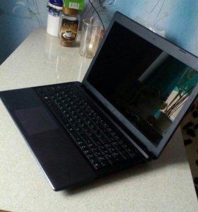 Ноутбук игровой.