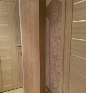 Стеклянный шкаф-пенал (стеллаж)
