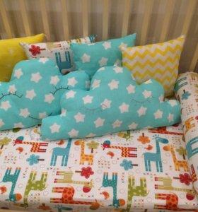 Бортики в детскую кроватку +простынь на резинке