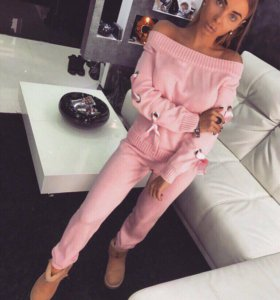 Костюм розовый