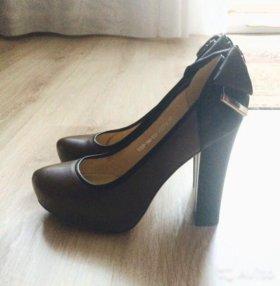 кожаные туфли Lena Milan
