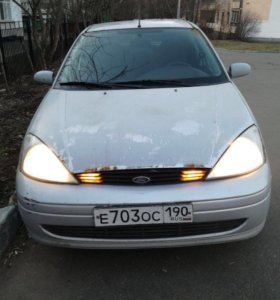 Ford Focus 2.0 AT, 2001, седан