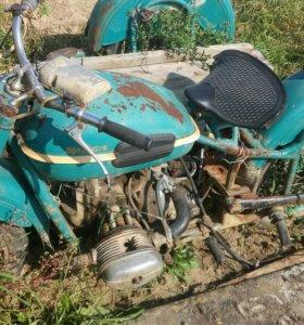 Продаю мотоцикл урал м-66