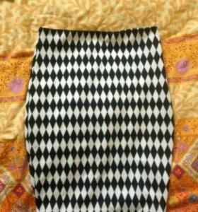 Новая юбка с геометрическим рисунком