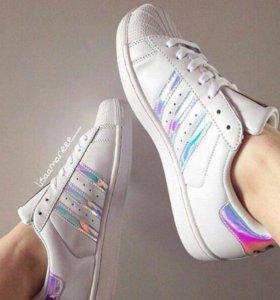 Кроссовки новые продаю