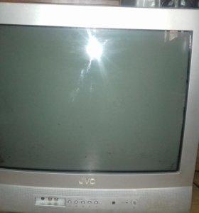 Телевизор японский в хорошем состояние