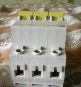 Автомат трехфазный