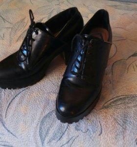 Ботинки ,ботильоны zara