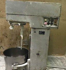 Кремосбиватель 60 литров