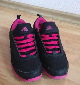 Кроссовки Adidas Зимние
