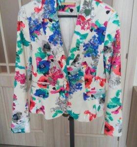 Новый пиджак Zarina размер 44