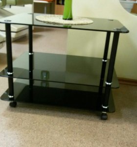 Журнальный стеклянный стол на колесиках