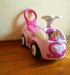 Машинка для девочки. Толкокар